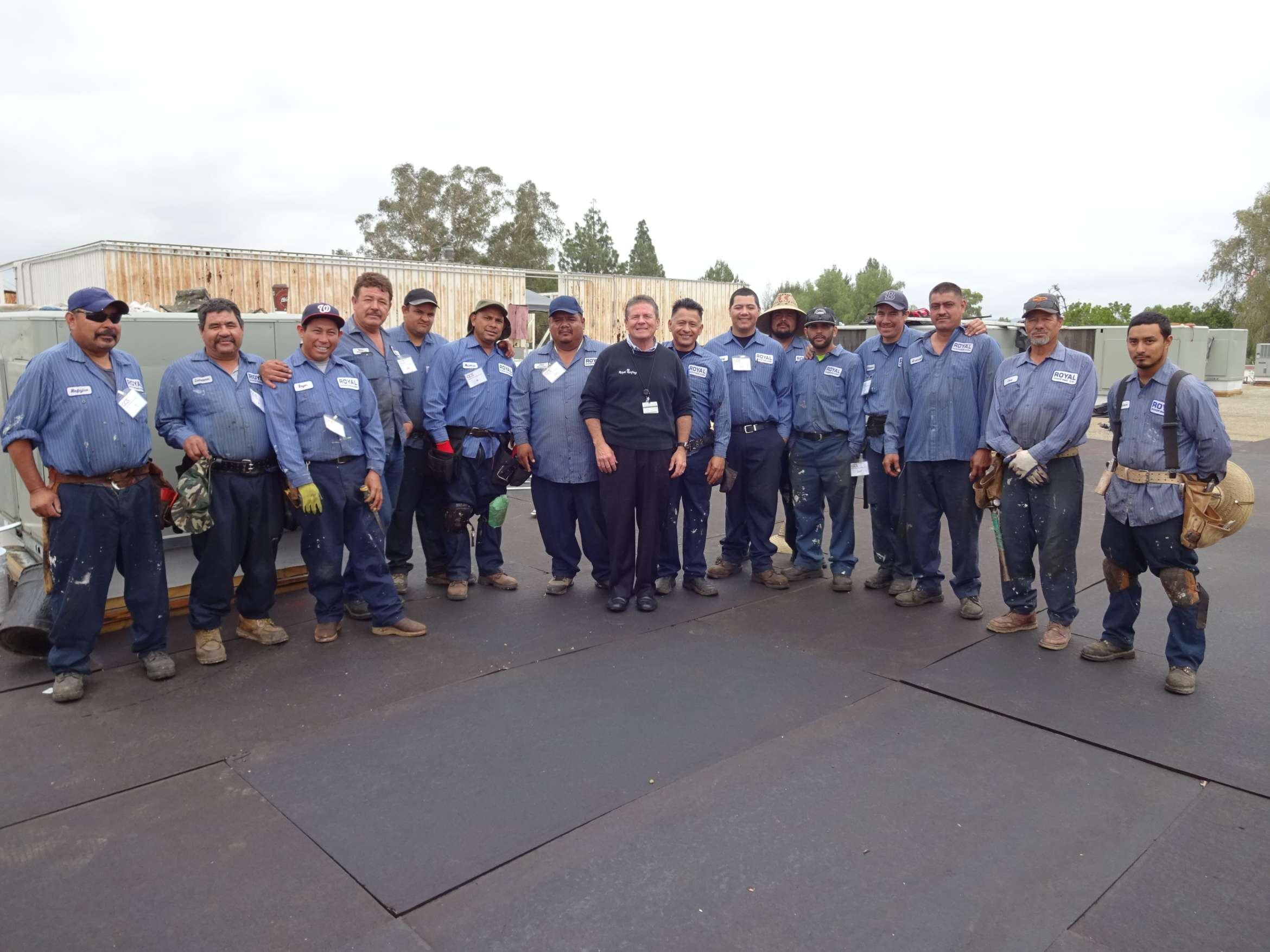 Royal-Roofing-Crew